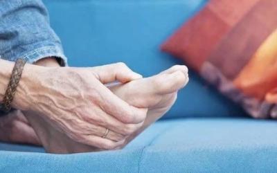 痛风与脚踝扭伤有什么区别,痛风患者该如何补充身体营养?
