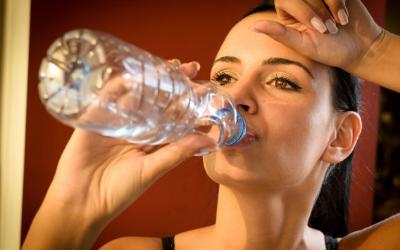 出汗对痛风真的有利吗?多出汗能降低尿酸吗?